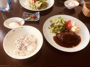 市川大野のムーンライトカフェの黒毛和牛のハンバーグランチ!